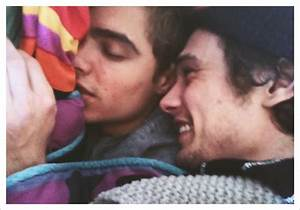 cute James Franco sleeping Dave Franco Brothers ...