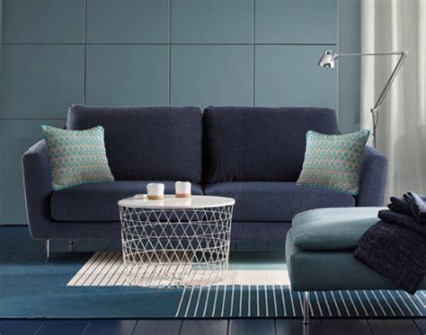 coussin de decoration pour canape coussins déco bleus la tendance