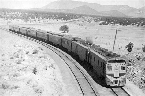 The Santa Fe Redefines Streamliners