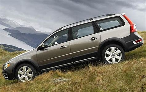 2010 Volvo Xc70 by 2010 Volvo Xc70 Information And Photos Zombiedrive