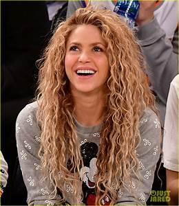 Shakira Gerard Pique Bring Their Kids To Christmas Day