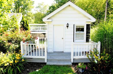 welcoming guest house  cottage ideas