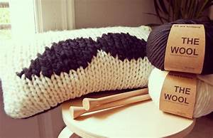 We Are Knitters Anleitung : movember pillow ~ A.2002-acura-tl-radio.info Haus und Dekorationen