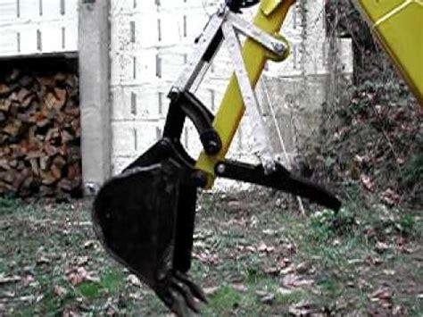 mechanical articulating backhoe thumb youtube