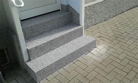 Steinteppich Treppe Außen by Steinteppich Hellgrau Weiss Aussenbereich Treppe