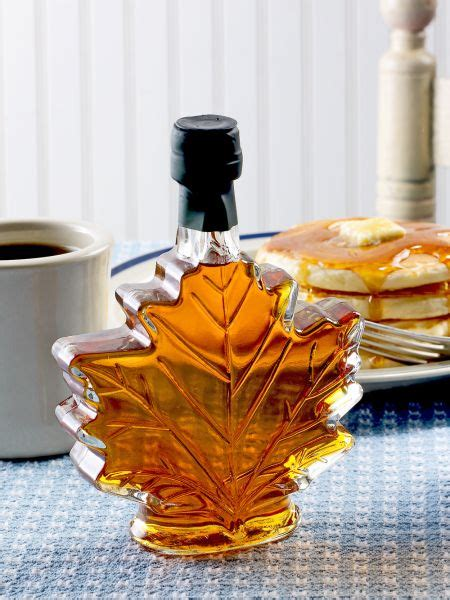 country kitchen maple syrup vermont maple syrup in leaf glass bottle 6099