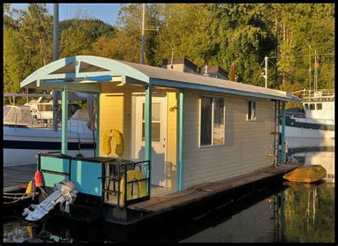 Boat Terms For Leaving by Best 25 Small Houseboats Ideas On Pontoon