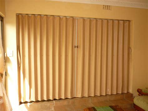 PVC Folding Doors Dubai - Dubai Flooring