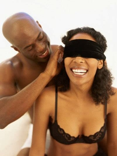 Blindfold Sex 6 Reasons To Try It Tonight Glamour