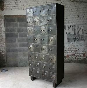 Rangement Métallique Industriel : armoire industrielle casiers meuble industriel ~ Teatrodelosmanantiales.com Idées de Décoration