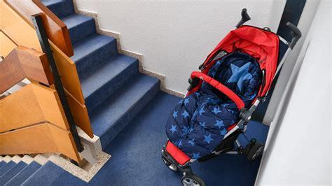 Schuhregal Im Treppenhaus by Schuhregal M 252 Ll Fahrrad Abstellen Was Ist Im Hausflur