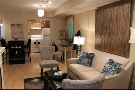 500 square foot room liberty village 500 sq foot condo vacant staging traditional living room toronto by