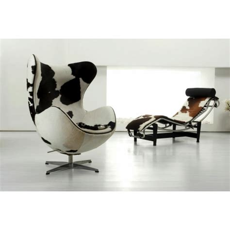 chaise longue le corbusier vache le corbusier inspired lc4 chaise longue
