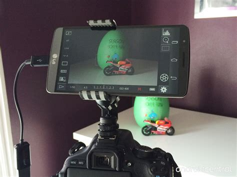 Turn your Android into a monitor for your DSLR with a