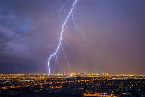 lightning bolt shocking news world s lightning bolt was nearly 200