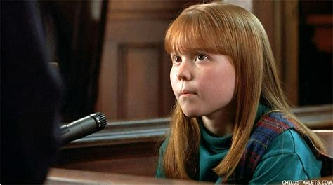 Stephi Lineburg Child Actress Images/Pictures/Photos