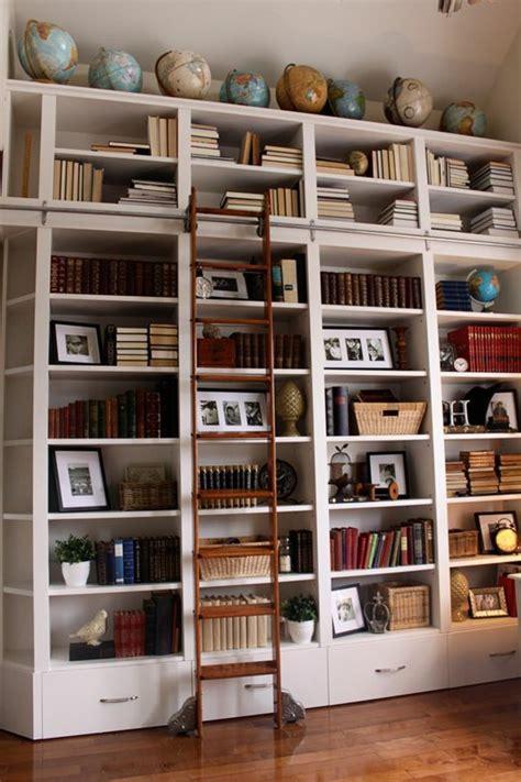 Bücherregal Mit Leiter  Die Bände Erreichen Archzinenet
