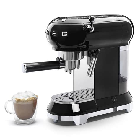 The smeg coffee machine can, indeed, use both ground coffee and coffee pods, allowing italian coffee lovers to choose their. Smeg ECF01BLUK Espresso Coffee Machine 50's Retro Style ...