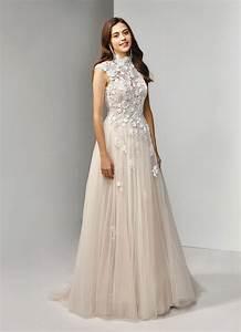 Kleid Für Hochzeitsfeier : brautkleid mit spitze bl ten prinzessschnitt und kragen in blush von beautiful bridal modell ~ Watch28wear.com Haus und Dekorationen