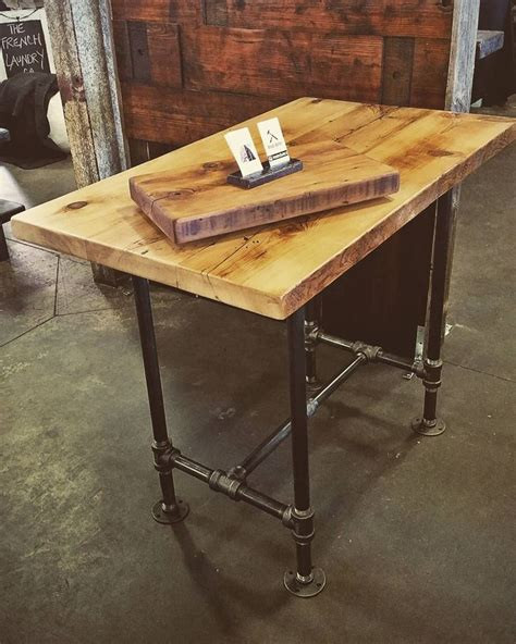 adjustable kitchen table 25 best ideas about bar height table on bar
