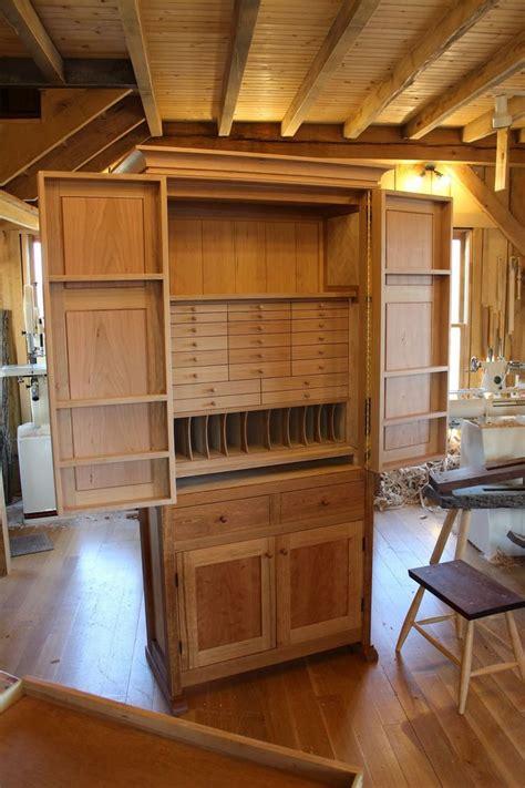 wall mounted tool cabinet plans shkaf dlya khraneniya