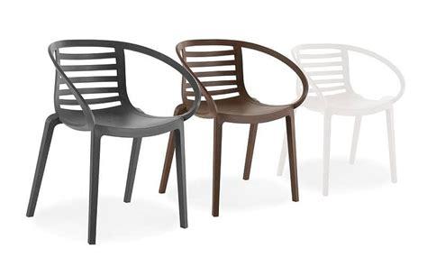 Poltroncine Design Plastica : Poltroncina In Plastica Per Esterni, Schienale A Doghe