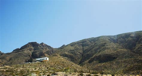 foothills  franklin mountains multi level family