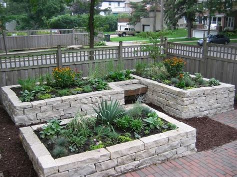 Stunning Stone Flower Beds You Can Easily Make