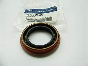 4311939030 Left Manual Trans Output Shaft Seal Oe For Kia