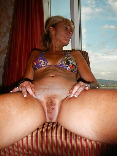 Slut Wife Bridgette Mature Hairy Pussy