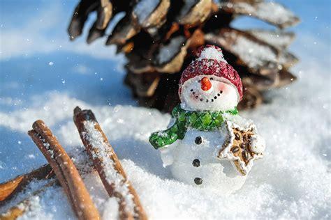 picture snowman snow figure hat wood cold