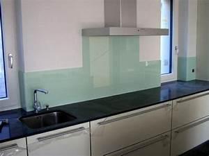 Kuchenruckwand aus glas 26 coole beispiele archzinenet for Farbe für küchenrückwand