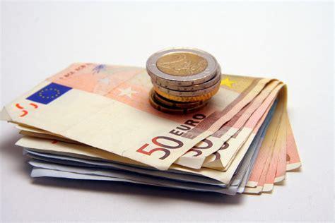 livret a le plafond ne devrait pas d 233 passer les 22 950 euros pratique fr