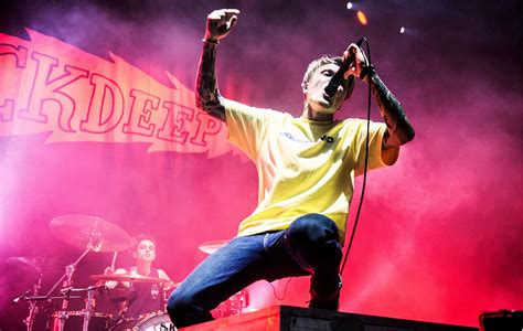 Neck Deep Gig Cancelled After Two Songs As Violence Breaks