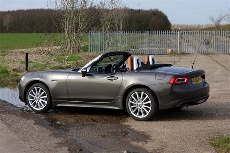 fiat roadster fiat 124 spider convertible 2016 photos parkers