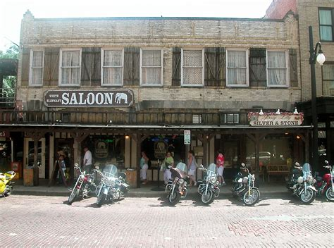 File:FortWorthTX Stockyards Saloon.jpg - Wikimedia Commons