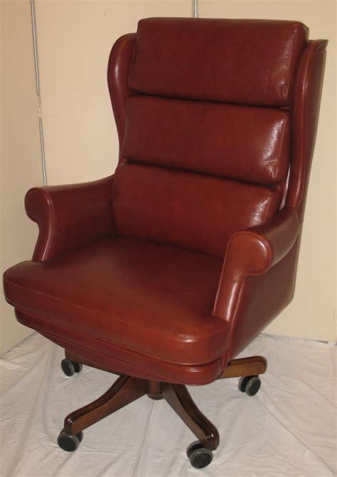 fauteuil de bureau en cuir fauteuil bureau cuir chaise de bureau bois lepolyglotte