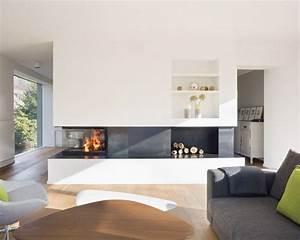 Fernseher Als Raumteiler : der 3 seitige kamin ist als raumteiler zwischen bestandsgeb ude und neubau konzipiert er trennt ~ Sanjose-hotels-ca.com Haus und Dekorationen