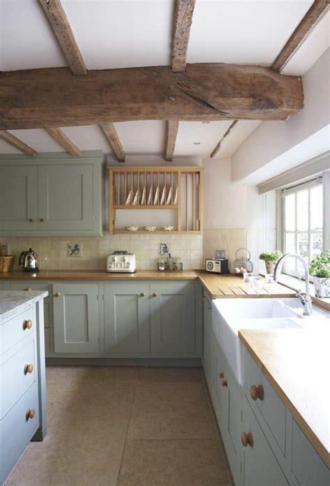 deco salon poutre en bois massif pour la cuisine moderne