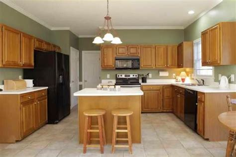 honey oak kitchen cabinets wall color best 25 green kitchen walls ideas on green 8420