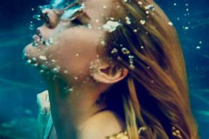 Avril Lavigne Releases New Song  U0026 39 Head Above Water U0026 39