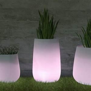 pot de fleur lumineux solaire atlubcom With déco chambre bébé pas cher avec grand pot de fleur carré