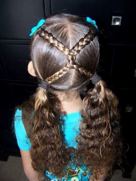 penteados  damas de honra toda atual
