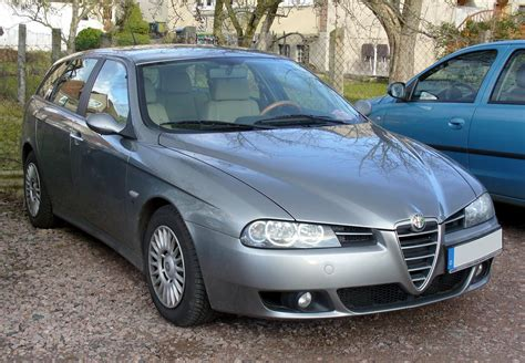 Alfa Romeo 147 19 2004  Auto Images And Specification