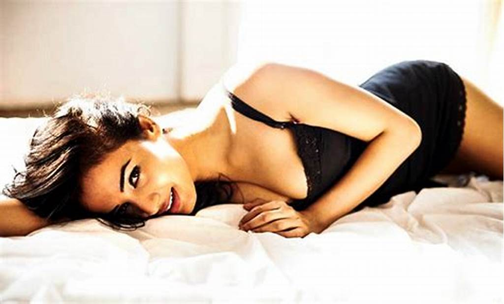 #Sonal #Chauhan #Gets #Clicked
