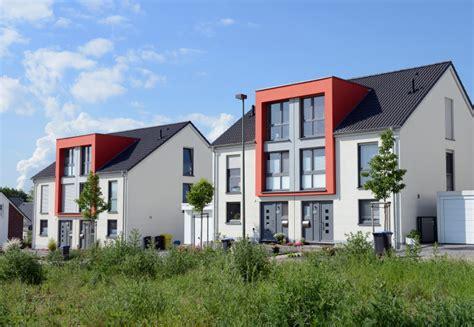 Doppelhaus Bauen Vor Und Nachteile Planungstipps Kosten by Doppelhaush 228 Lfte Als Neubau 187 Vor Nachteile