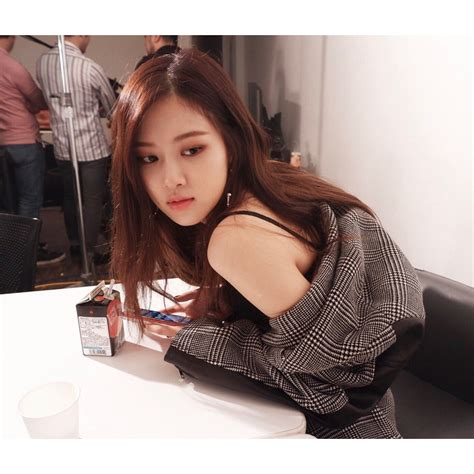 instagram prettiest rose world official blackpink
