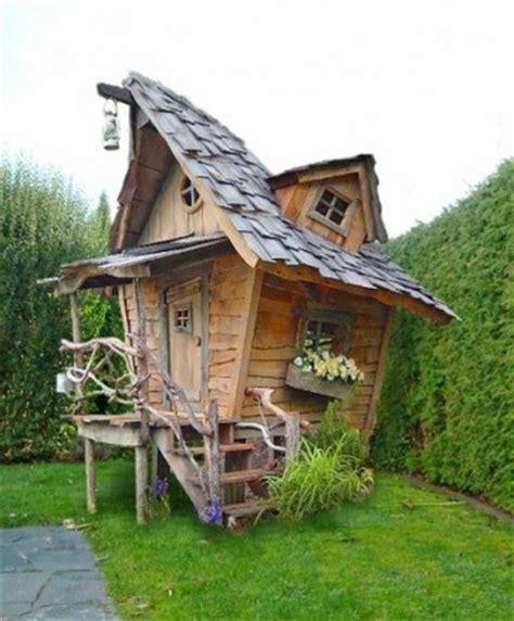 garten hexenhaus selber bauen top 10 des abris et cabanes de jardin les plus 233 tonnants conseil abri jardin garage