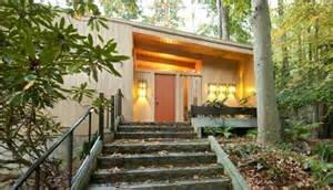 modern prairie style homes a nature lover 39 s mid century modern ranch in atlanta
