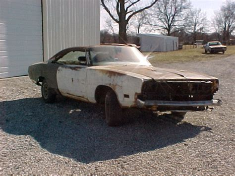 1969 dodge charger r t clone mopar hemi project car barn find for sale technical